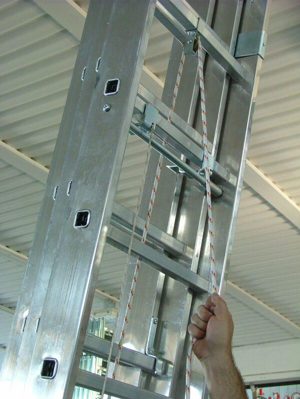 Scala sfilabile a tre tronchi MARCHETTI AZZURRA AC3 in alluminio 12+12+12 pioli