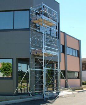 Trabattello in acciaio H 9.50 m dimensione 100 x 200 cm marchetti system