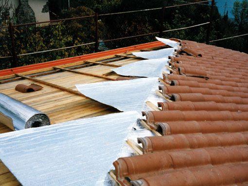 Applicazione in copertura a falda Isolante termoriflettente Over-Foil 2L-2