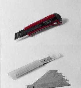 Cutter ad alta precisione con lama al carbonio da 18 mm